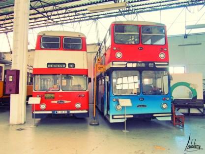 D'anciens bus à impériale musée carris