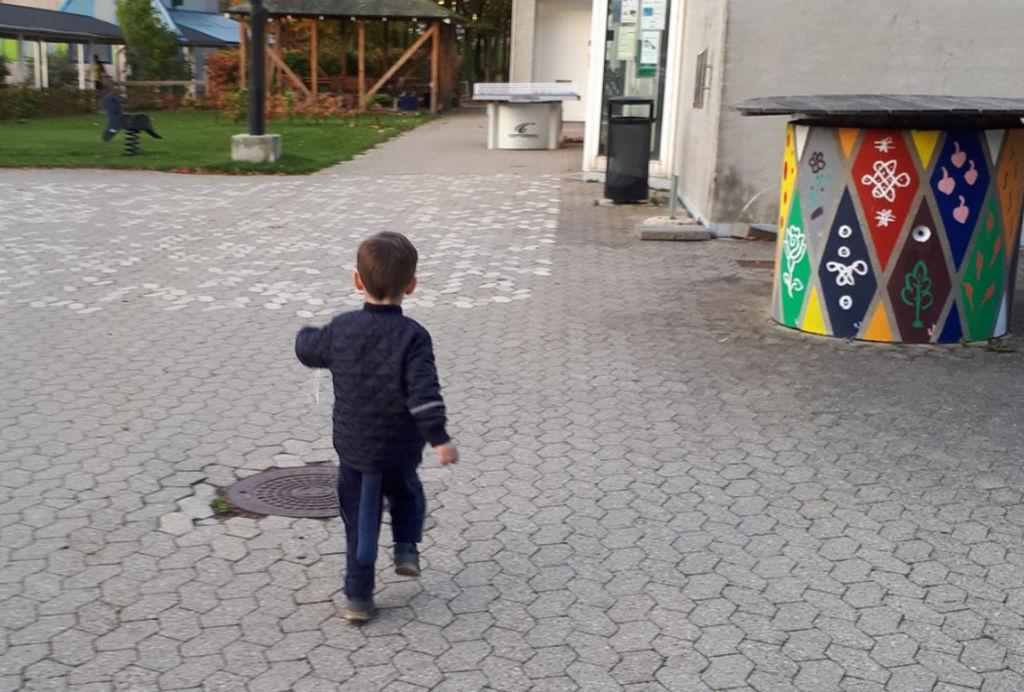 7 små opgaver til en mindful morgen med børn [For de stressede]