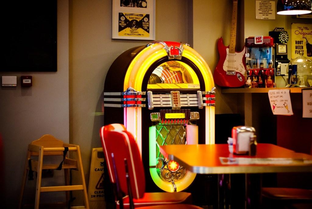 jukebox fifties style rock 'n roll kleding kostuum Bennies Fifties Scheveningen