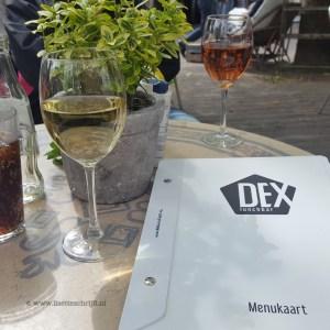 Dagje delft wijn drinken terras rosé Dex lunch Brabantse Turfmarkt Lisette Schrijft
