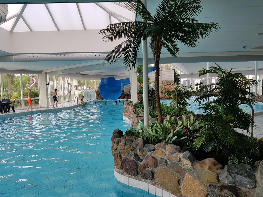 het zwembad bij vakantiepark de Leistert