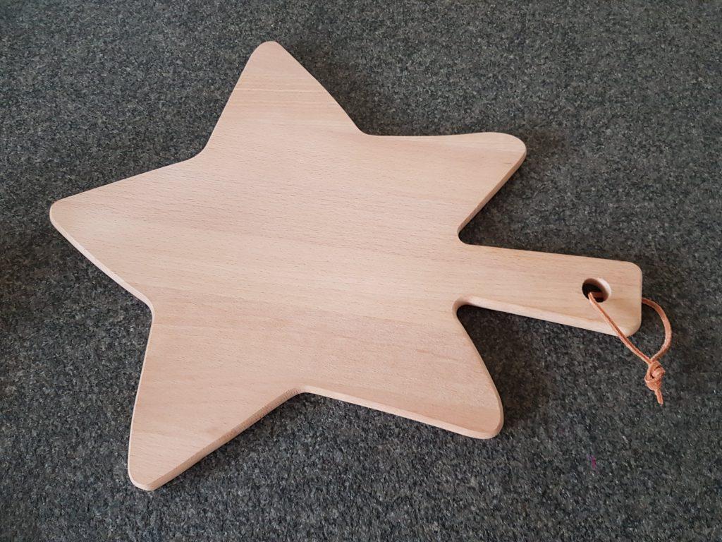 de borrelplank in vorm van een ster van de HEMA Lisette Schrijft