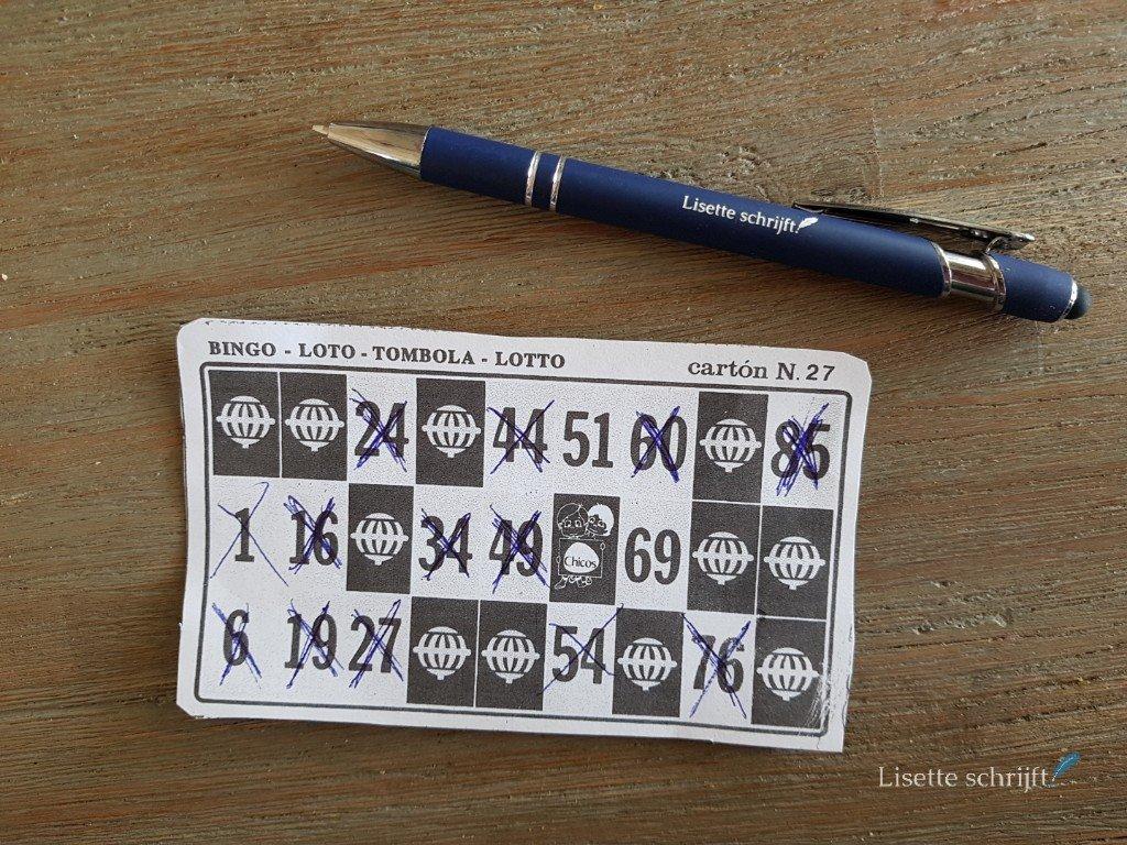 ik speelde thuis bingo met een bingoset