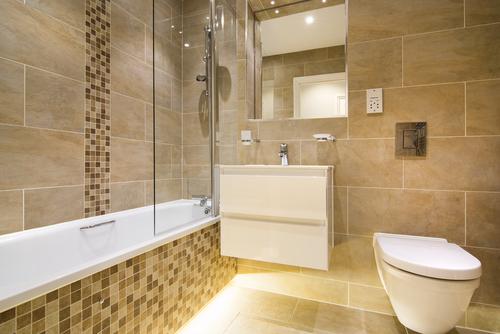 een badkamer met wellness gevoel. foto door fotoplan