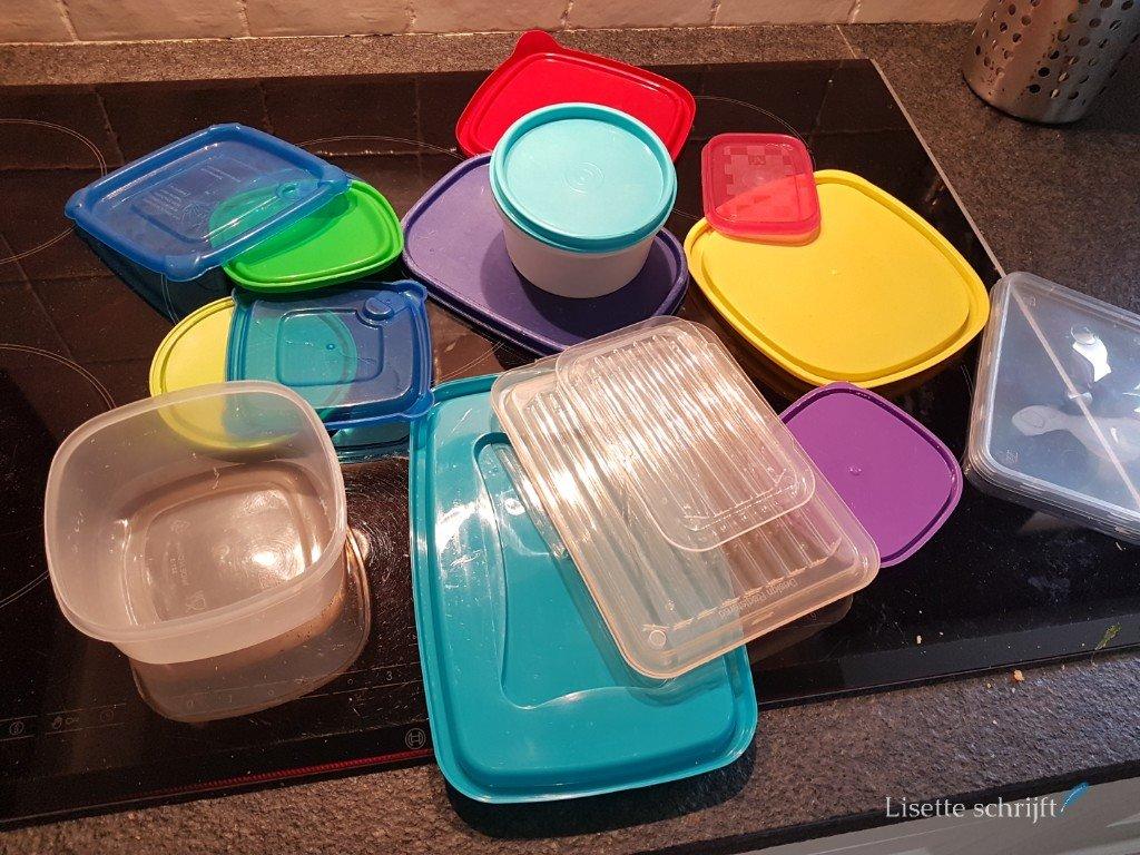 plastic bakjes en dekseltjes