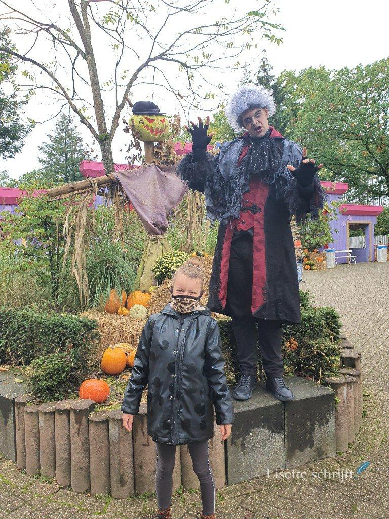 Een zombie bij Halloween in Hellendoorn