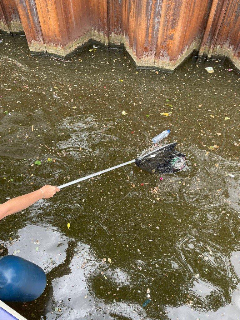 blogboot plastic amsterdam uit de gracht