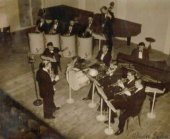 Orkestar The Devils (dir. Nenad Grčević) u HGZ 1940. godine