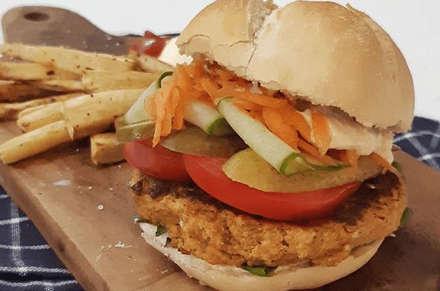 Zomerse feta-burger