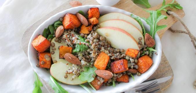 Herfst salade met quinoa en pompoen