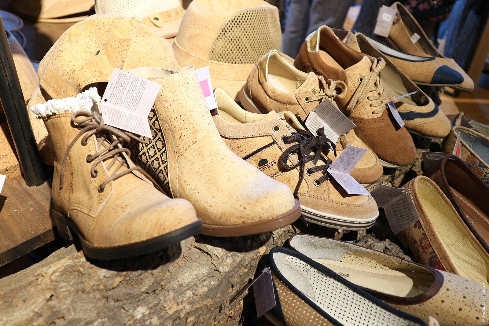 Обувь из пробки