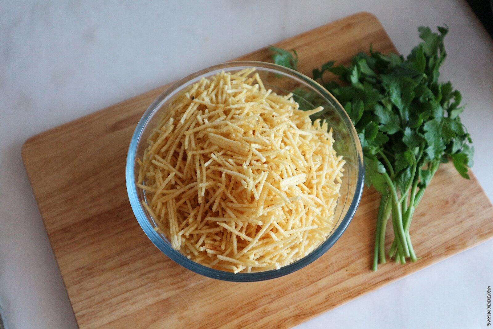 Картофельные чипсы соломкой (batata palha)