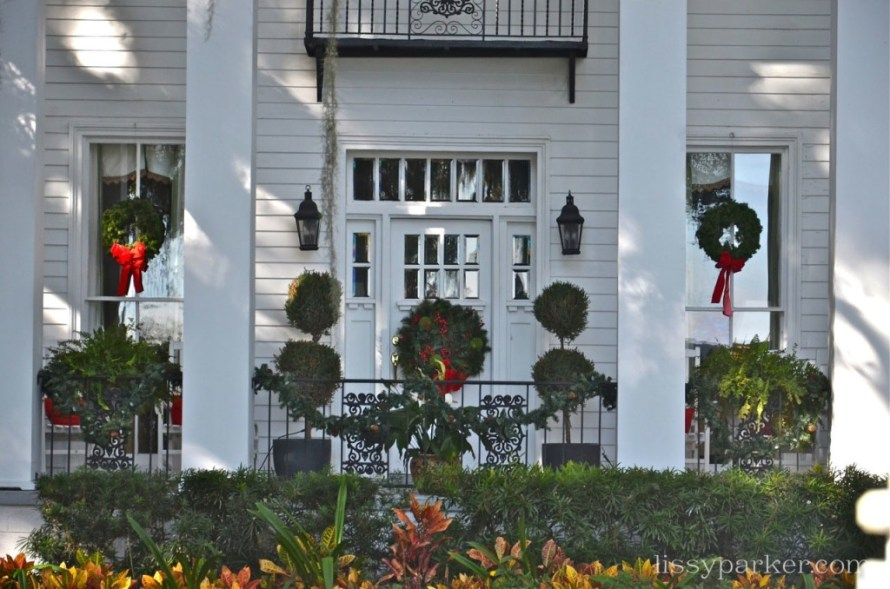 I love topiary—especially at Christmas