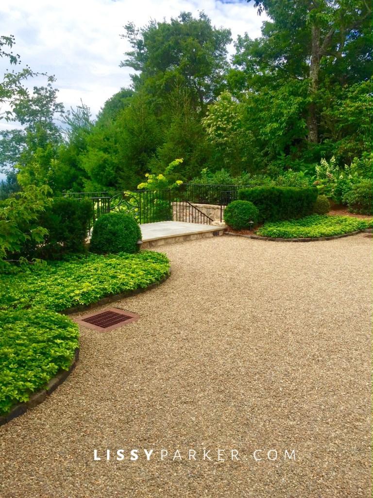 gravel motor court garden