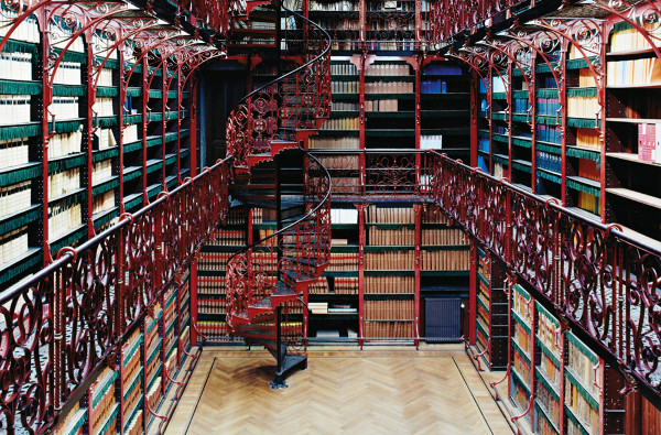 Handelingenkamer-Beautiful-Library-Interior