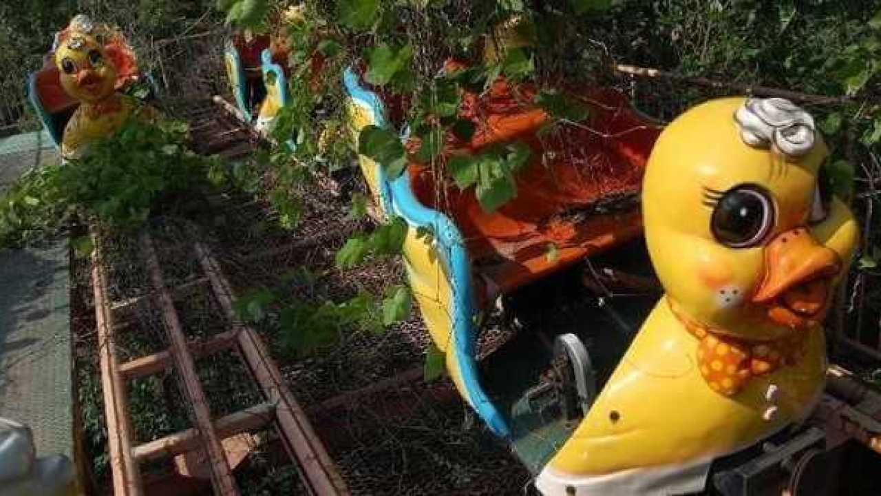 10 Most Creepy Abandoned Amusement Parks In The World Listamaze,French Country Master Bedroom