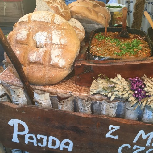 Comidas da feira gastronômica em Cracóvia
