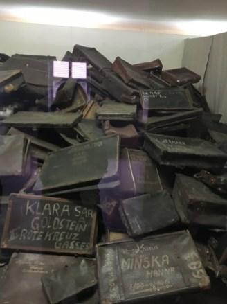 Auschwitz I - malas dos prisioneiros