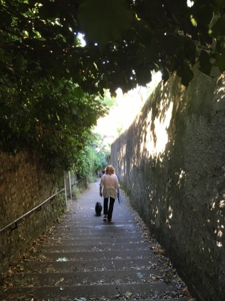 Subida a pé até até a Basílica Notre Dame de Fourvière