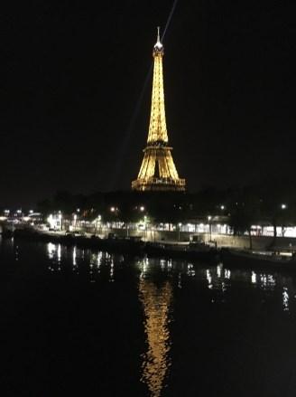 Torre vista da Pont Bir-Hakeim