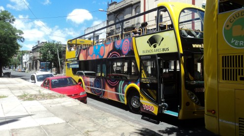 Ônibus com 24 paradas nas atrações turísticas