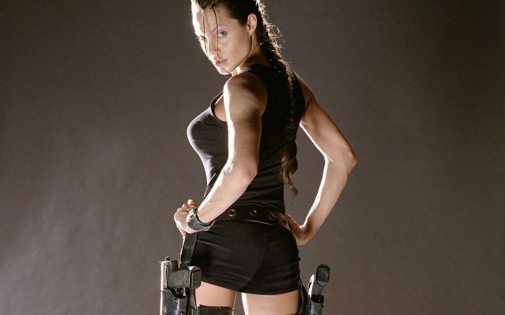 Lara Croft, Angelina Jolie - Tomb Raider - Aksiyon Filmlerindeki Kadın Kahramanlar