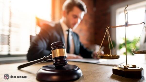 Avukat Nasıl Olunur? Avukat Maaşları