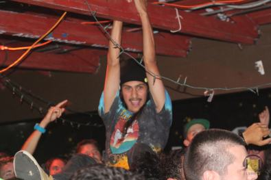 Crowdsurfing @ The Che Café