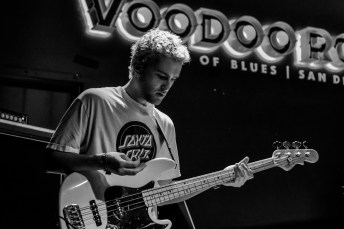 Hardcastle at House of Blues Voodoo Room by Christine Heyne for ListenSD