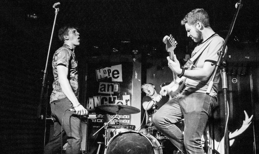 Gig Review: Chasing Deer at The Hope and Anchor