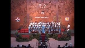 Lomba Musik Angklung Padaeng UPI - sebagai conductor