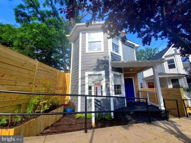 $679,000 - 4Br/3Ba -  for Sale in Woodridge, Washington