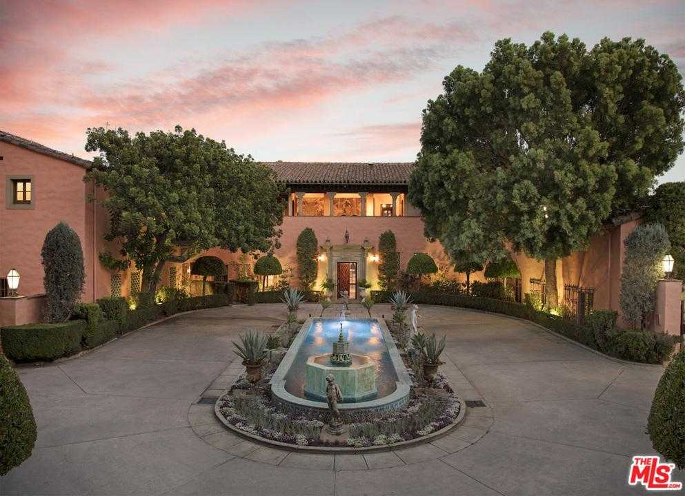 $135,000,000 - 19Br/29Ba -  for Sale in Beverly Hills