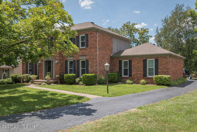$319,900 - 4Br/3Ba -  for Sale in Willow Wood, Louisville