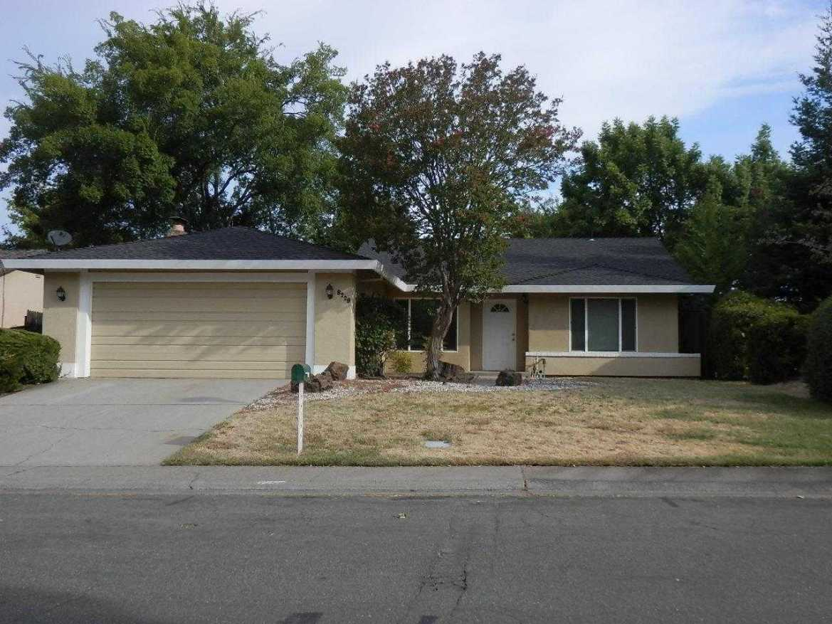 $369,000 - 3Br/2Ba -  for Sale in Oak Creek, Citrus Heights