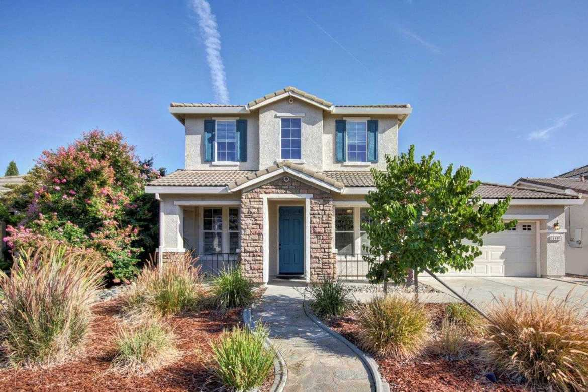 $485,000 - 5Br/3Ba -  for Sale in Elk Grove