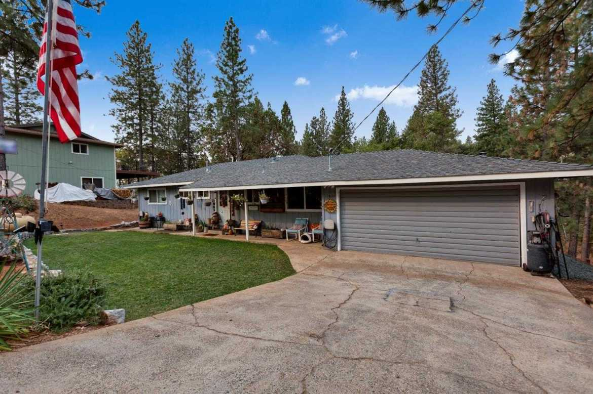 $349,900 - 3Br/3Ba -  for Sale in Pine Grove