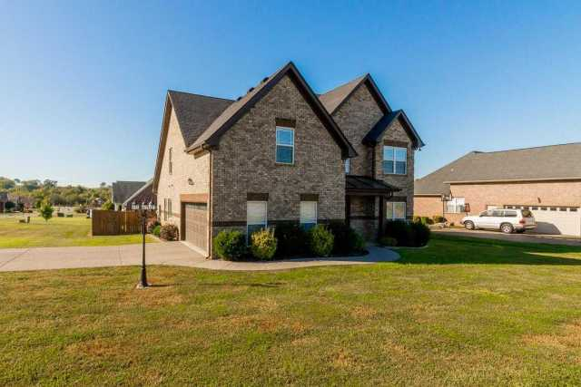 $286,900 - 3Br/4Ba -  for Sale in Pinnacle Point Ph 1, Lavergne