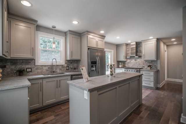 $474,500 - 3Br/2Ba -  for Sale in Country Club Estates, Nashville
