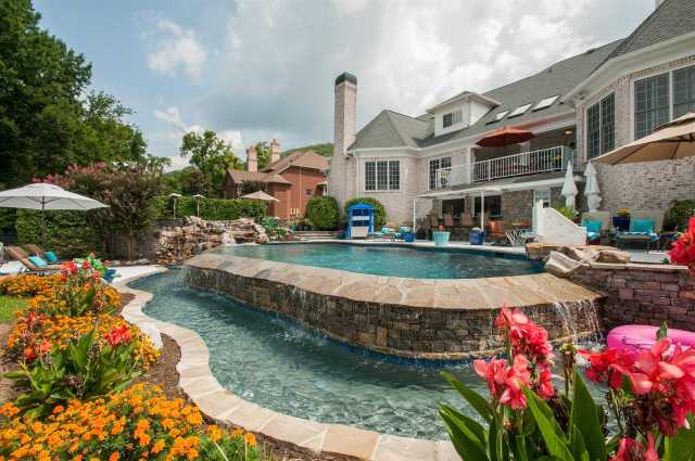 $1,750,000 - 6Br/8Ba -  for Sale in Woodward Hills, Brentwood