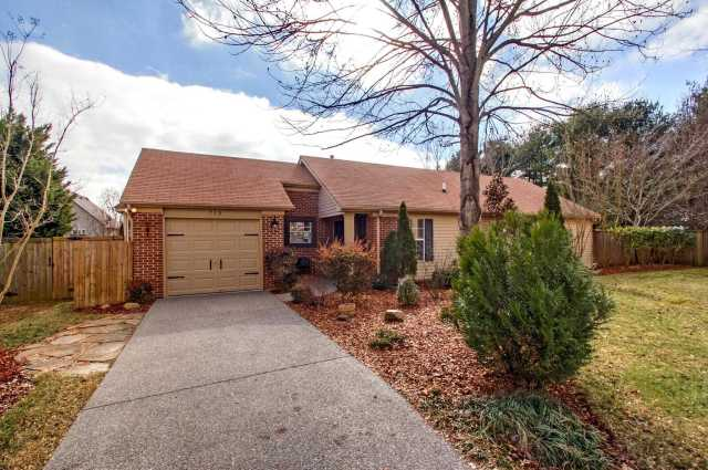 $329,900 - 3Br/2Ba -  for Sale in Fieldstone Farms Sec K-2, Franklin