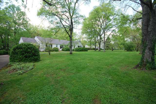$1,250,000 - 4Br/3Ba -  for Sale in Belle Meade, Nashville