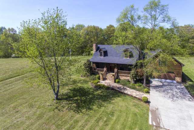 $549,000 - 3Br/3Ba -  for Sale in Ginny Lane, Springfield