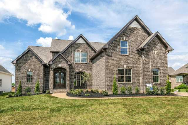 $589,900 - 4Br/4Ba -  for Sale in Autumn Ridge, Spring Hill