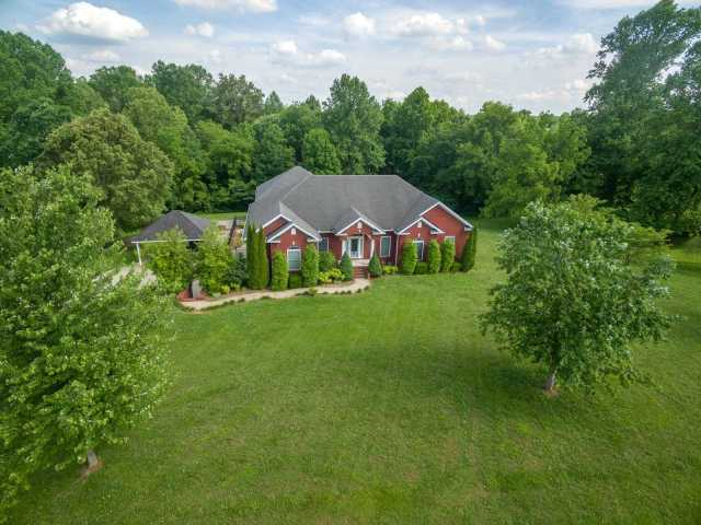 $649,900 - 3Br/4Ba -  for Sale in Yes, Greenbrier