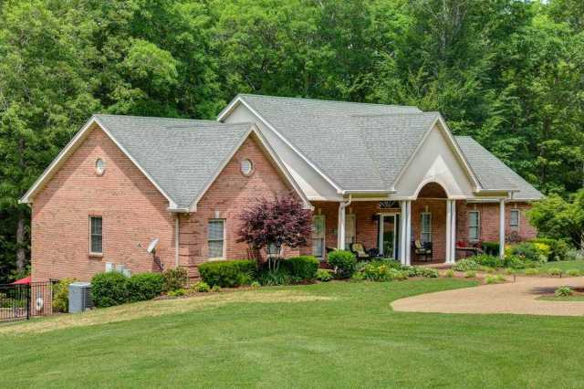$825,000 - 3Br/3Ba -  for Sale in Twin Lake Estates, Ashland City