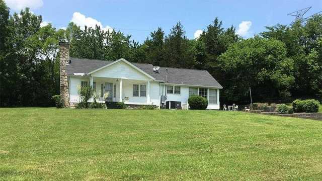 $725,000 - 3Br/1Ba -  for Sale in Charlotte Pike Area, Nashville