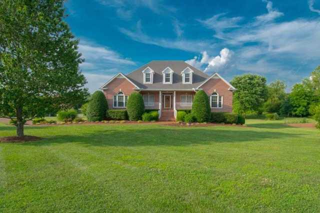 $435,000 - 3Br/3Ba -  for Sale in Castleberry Farm Ph 1, Fairview