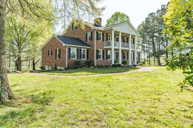 $999,999 - 5Br/5Ba -  for Sale in 80.1 Acres, Springfield