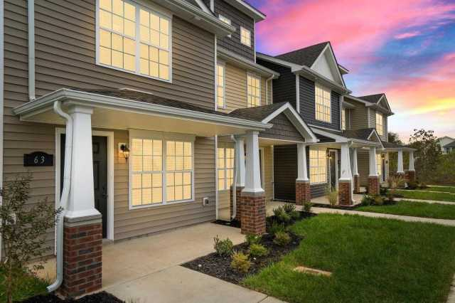 $130,000 - 2Br/3Ba -  for Sale in Governors Crossing, Clarksville